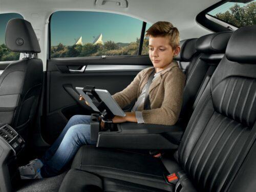 porte tablette, Media Command et espace aux jambes_Superb_2.jpg
