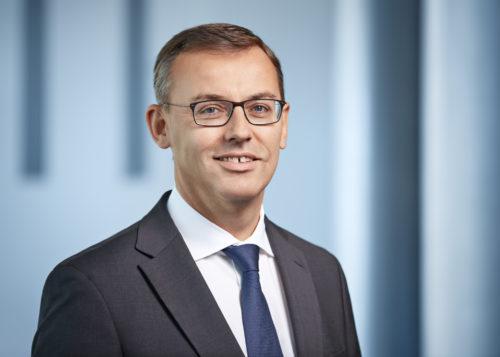 Alain FAVEY - membre du comité directeur en charge des Ventes et du Marketing.jpg