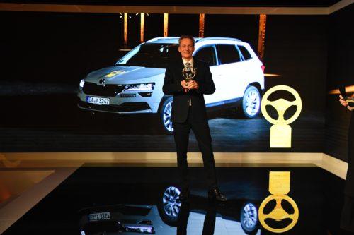 Le KAROQ gagne le Volant d'Or 2017 - Christian STRUBE récupère le prix pour SKODA AUTO