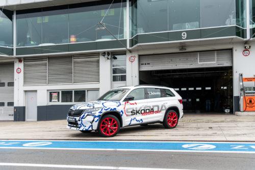 record du KODIAQ RS au Nurburgring 12-jpg